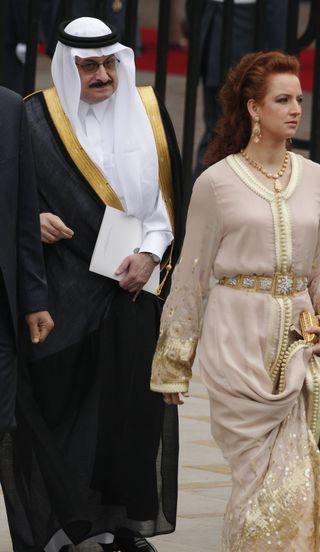Oyal-wedding-guests-fashion[1]